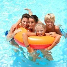 pool blonde family