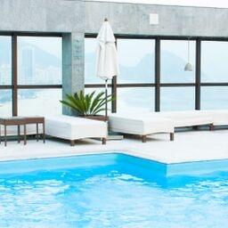 pool chic