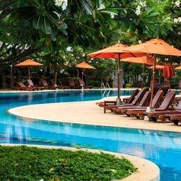 pool curvy