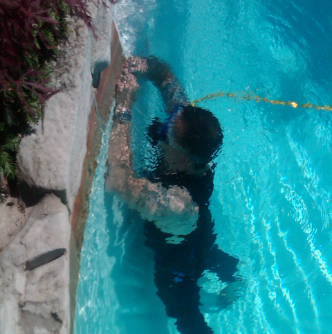 Family Pool Cleaning Pool Cleaning Amp Pool Maintenance